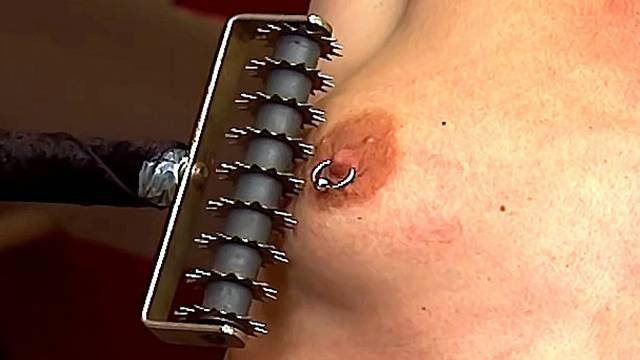 zweepslag, trio sm, trio sex, spanking, slaaf, MR, meester, deep throat, bondage